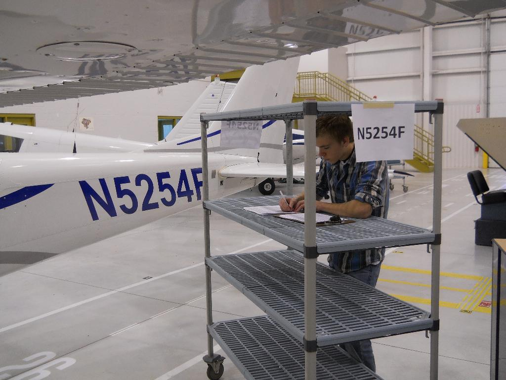 Students Prepare to work on the Cessna 172