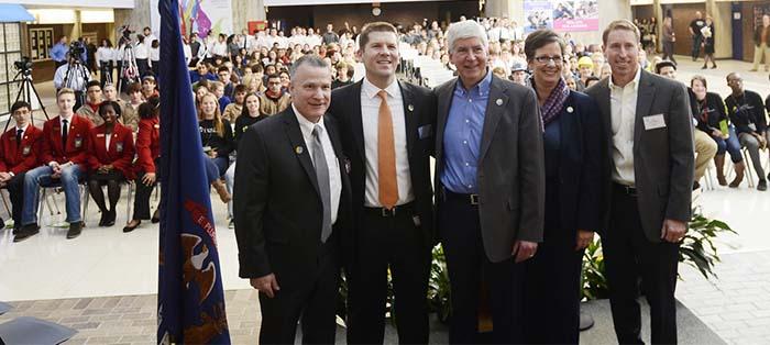 Gov Snyder Visits KCTC